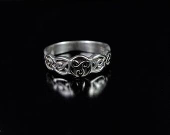 Celtic Design Sterling Silver Band with Triskele