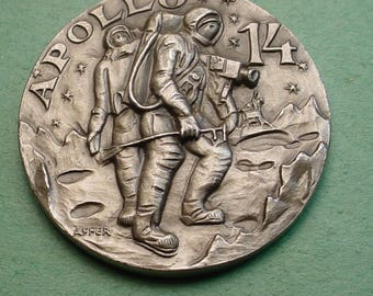 Space Medal Apollo 14  Febl 1971 Exploration Mint Cond. 32mm White Metal 32mm Minted in ITALY Low Mintage<># ET3473
