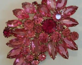 Beautiful Bursting In Pink Vintage WEISS Rhinestone Brooch