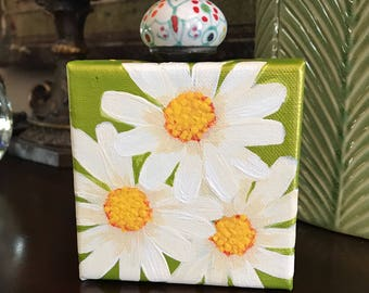 """Acrylic mini painting, 4""""x4""""x1.5""""  stretched canvas, daisys on green, with drawer pull knob. FREE SHIPPING!"""