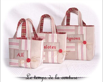 "Kitchen - Set 3 baskets or bags - shades of ecru, beige, red and green - embroidered ""Garlic"", ""Shallot"", ""Onions"" - handmade."