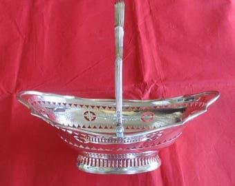Antique Victorian Solid Silver Bread or Fruit Basket – London 1901.