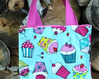 Insulate Lunch Tote Cupcakes Pattern girls lunch
