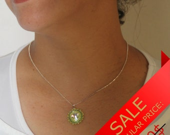 Green Pendant, Green Pendant Necklace, Green Pendant Necklace Wedding, Green Beaded Statement Necklace, Swarovski Pendant [p]