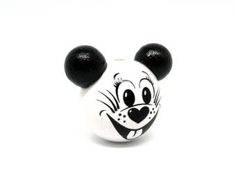 Wooden 3D mouse white head bead