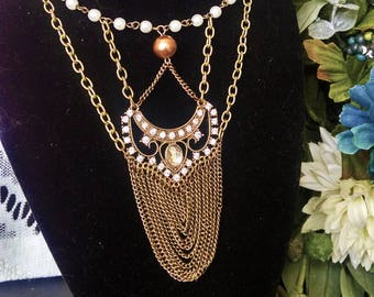 Elegant Gold Antique Necklace