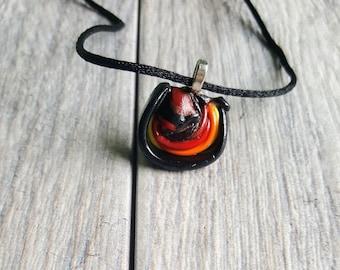 Pendant necklace orange and black