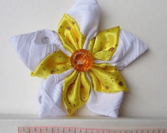 Hair Clip White and Yellow Flower Kanzashi