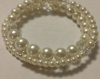 Glass Pearl and Swarovski Crystal Bracelet