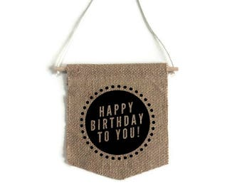 "Small banner ""happy birthday"""