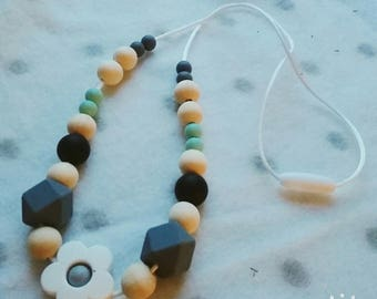Breastfeeding and Babywearing wooden beads and natural necklace silicone - necklace for MOM and baby - gift idea