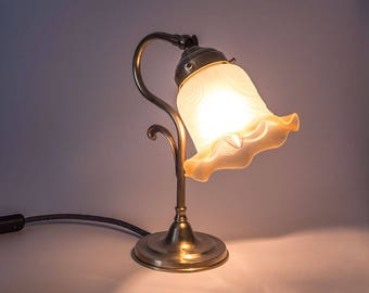Nostalgic night table lamp, Berlin Art Nouveau, brass, vintage