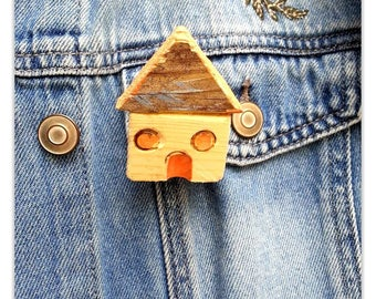 Little handmade wooden brooch