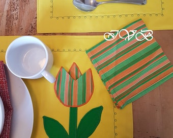Vintage embroidered placemats, set of 3 placemats with napkins, hand embroidered placemats, yellow placemats,
