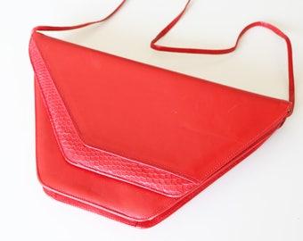 Vintage 1980s triangular red bag