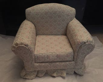 Vintage Doll Comfy Chair