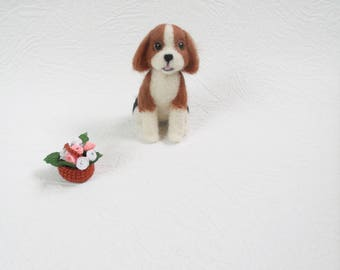 Needle felted beagle Wool toy Needle dog Felted dog Felt pet Needle felt dog Needle felted toy Miniature dog Felted dog sculpture Puppy dog