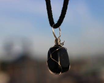 Green Goldstone Necklace with Macrame Cord