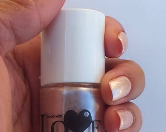 Gold nail polish- Shining Bright