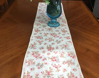Quilted table/buffet runner