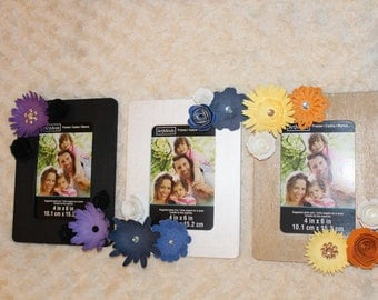 Single Picture Frame with Mini Paper Flowers