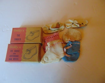 3 pair Crocheted Vintage Doll booties,dolly's shoes,socks,1 hat,2 Vintage Dolly's shoe boxes