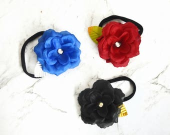 Beautiful winter bloom headband for baby/ toddler/ older girl. Fashionable and pretty. 3 colour choices.
