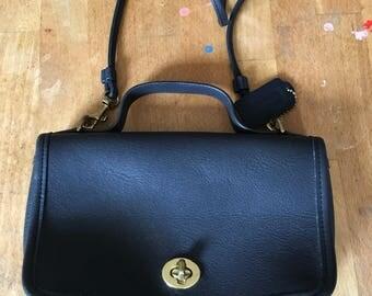 Vintage, small, authentic, COACH, black, leather, CROSSBODY, Bag, purse, handbag, pocketbook, classic!! Free shipping!!
