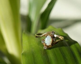 10k Yellow Gold Diamond and 1/4 Carat Opal Ring Sz 6