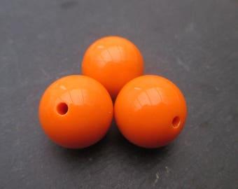 2 diameter 20 mm Orange resin beads