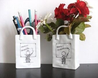 Pencil holder, vase for original customizable school teacher in porcelain, hand painted. Black and white.