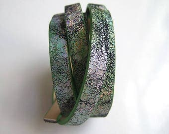 "120cm strap faux leather multicolor glittery green and distressed ""crackled"" 10mm"