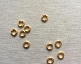 10 gold metal rings