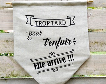 Pennant banner arrival of the bride - custom text - vintage theme