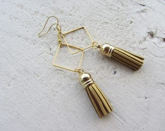 Earrings dangling elegant metal and all gold imitation leather tassels, diamond party, Christmas