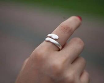 """""""Beautiful hug"""" ring in 999 fine silver"""