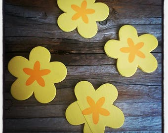 set of 4 wooden 40mm yellow and orange flowers