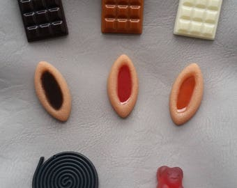 Set of 8 Magnets trays/bars of chocolate/licorice and teddy bear resin clay