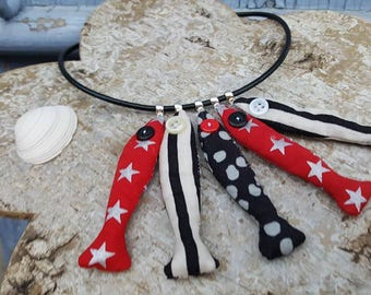 "Textile necklace catch of the day ""in red and black"""