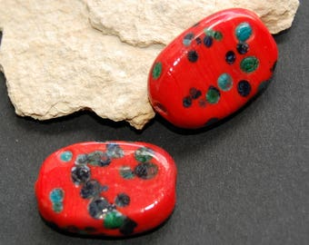 Set of 2 red handcrafted ceramic beads - size 2 x 0.4 cm