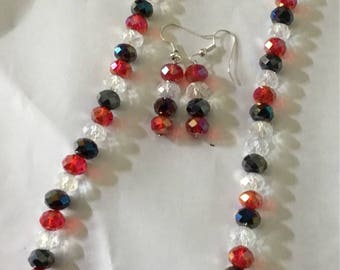 Multicolored crystal  necklace  with earrings