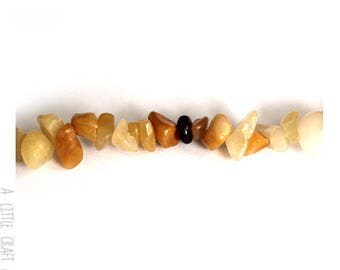 60 beads / natural gemstone - Topaz chips