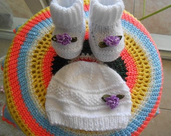 Hat and booties for baby 1.3mois