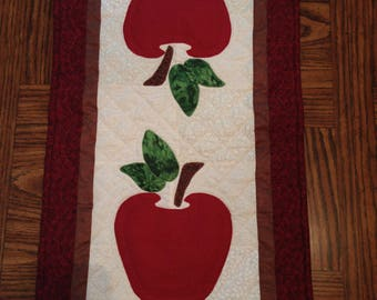 Charming Apple Table Runner
