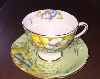 Gladstone Teacup and Saucer Laurentian, English Bone China Tea Cup