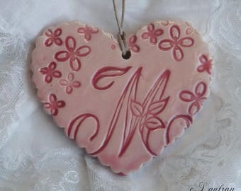 Ceramic heart personalized hanging, Scalloped edges, enameled pastel pink, letter ' I
