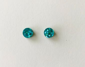 NEW NEW NEW!! 10mm Peacock Green Lux Glitter Round Stud Earrings