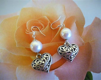Earrings romantic heart cage finely chiseled and Pearl 5 cm in length