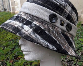 black and beige plaid hat