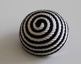 button trimmings couture black and white, round shape dome, 28 mm